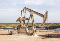 ما هي اول دولة اكتشفت النفط في العالم؟