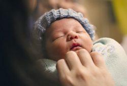 لماذا دقات قلب الطفل أسرع من دقات قلب البالغ؟