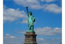 في أي ولاية أمريكية يوجد تمثال الحرية؟