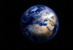 كم يبلغ قطر الأرض؟