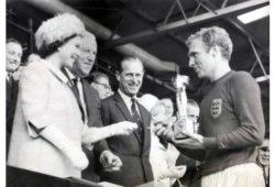 من هو المنتخب الفائز بكأس العالم سنة 1966؟