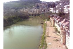 ما هو النهر الذي ينبع من لبنان و يصب في تركيا؟