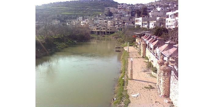 ما هو النهر الذي ينبع من لبنان و يصب في تركيا